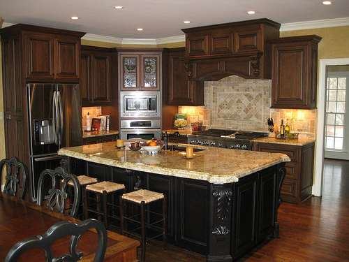 How Kitchen Cabinet Dealers Are SELLING With Social Media
